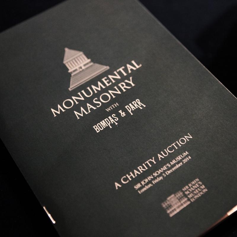 Monumental Masonry - Ausstellungseröffnung und Versteigerung